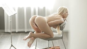 Play on violin makes charming blonde in mood to touch own sweet cunny