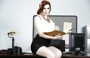 Kewl office chick satisfies viewers taking clothes off and posing with shoes on