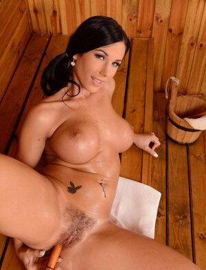 Mas asked bigtitted Hungarian lady friend Kyra Hot to dong pussy in the sauna