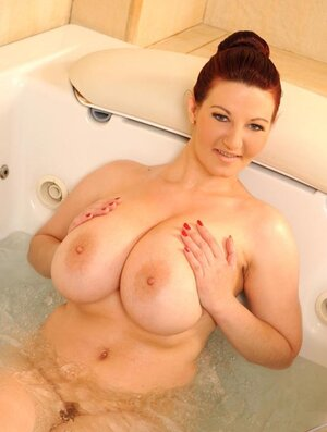Stunner with milk sacks and moreover ass prefers to be fucked nu water jet and moreover dildo