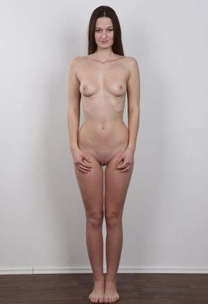 Porn model with big nose and little boobs glad to be invited for a naked photoshoot