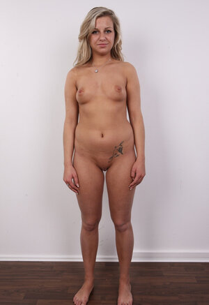 Eager mom with sizeable ass and wavy hair knows dudes need her to stay undressed on camera